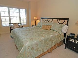 Pet-Friendly Magnolia Pointe 3 Bedroom Condo with a Balcony, Myrtle Beach