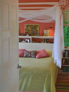 King Size Bedroom - Peony