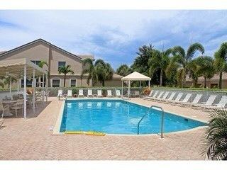 Naples Florida 2bd/2bth Condo with Golf and Views!!