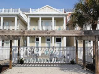'Summer House' 3 Story, Sleeps 12 w/private pool., Panama City Beach