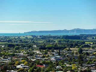 Sugarloaf Lodge - Taradale Holiday Home, Napier