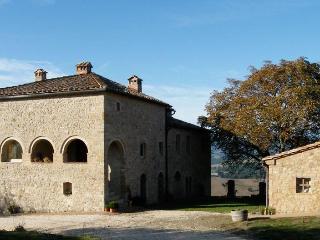 cielsereno - tuscan life in pristine nature