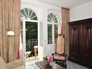 Gorgeous Saxon flat with balcony, Bad Schandau