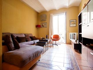Diputacion Apartment. 10 minutes to Plaza Cataluña, Barcelona