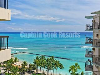 AMAZING LOCATION!  Check out the Ocean View! A/C, WiFi, Pool, Parking,, Honolulu