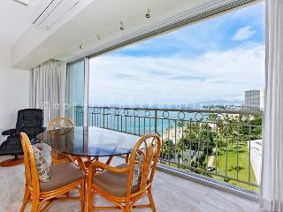 Beachfront, sweeping ocean views!  Newly remodeled, A/C, Parking, Washlet!, Honolulu
