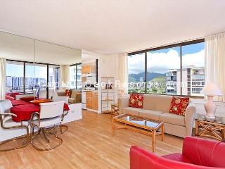 One bedroom vacation rental, washer/dryer, WiFi, pool & parking!, Honolulu