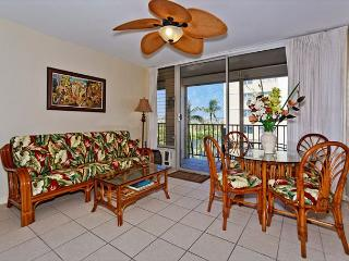 GREAT location!  A/C, washer/dryer, dishwasher, WiFi, and parking!, Honolulu