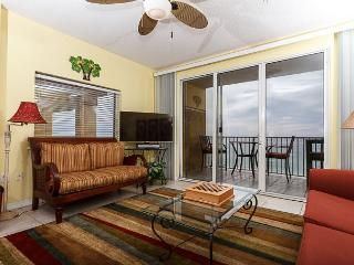 GD 611: Incredible top floor corner unit ! WIFI,BBQ,pool, FREE BEACH SERVICE, Fort Walton Beach