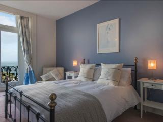 Enjoy your lie-in with great views over Ilfracombe harbour.