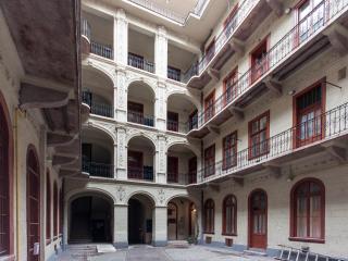 Piano Studio Apartment, Budapest