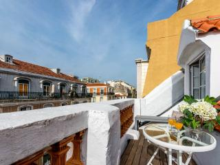 AWARD-WINNING apt w/ terrace, Lissabon