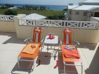 Relax and enjoy the view and sea breeze on the roof terrace