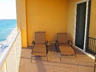 Stunning Beach Front condo at Tropic Winds!, Panama City Beach