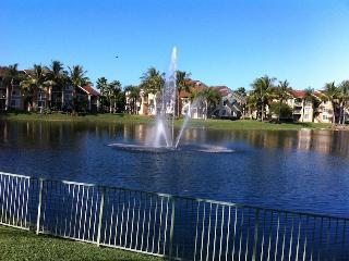 2 bed/2 bath Naples Condo(Gated Commun.)- sleeps 6