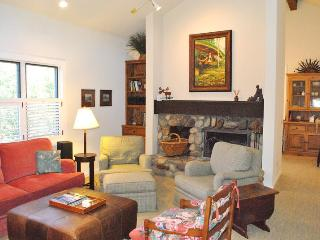 Knob Hill #10 - Incredible Downtown Location Newly Updated;, Ketchum