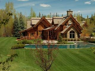 Northwood Way #451 - Ketchum Authentic Large cabin on the river