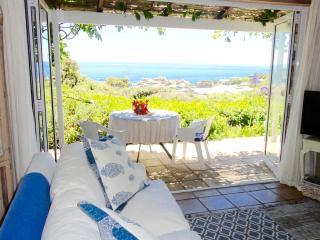 Petit Paradis overlooking Llandudno beach