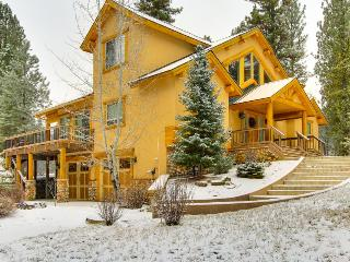 Beautiful Luxury Mountain Golf Getaway, New Meadows