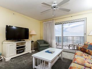 SL 303: 3rd floor beach front,free beach service, snorkeling, GOLF, movies