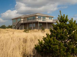 Amazing Ocean Front/View home, Pets OK, WiFi/Cable (Calder), Long Beach