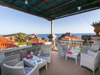 Villa Iveta - Two-Bedroom Apartment with Terrace and Sea View, Dubrovnik