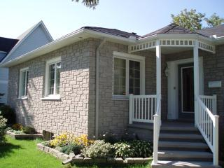 Available in Sept***2 large master bedroom in Orleans on MAIN floor***