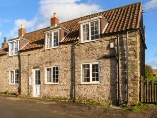 EDGEMOOR COTTAGE, stone-built, pet-friendly, pub within walking distance, in Newton upon Rawcliffe, near Pickering, Ref 917332, Newton-on-Rawcliffe