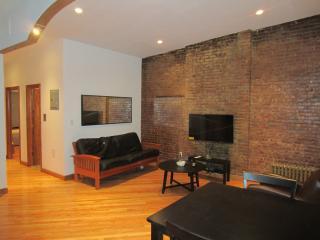 Amazing 2-Bedroom Brownstone Apt., Brooklyn