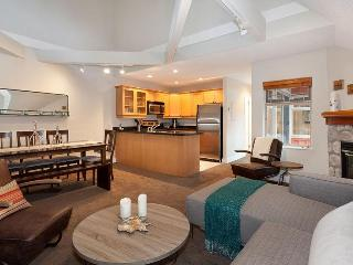Whistler Ideal Accommodations: Beautiful 3 bedroom ski in ski out