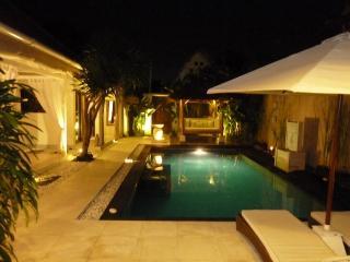 La Dolce Villa Bali: Seminyak  villa pool-6-7pers.