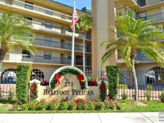 Barefoot Pelican condo with beautiful bay views and boat slip, Nápoles
