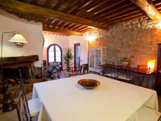 Double room in Farmhouse near to the Sea, Montescudaio