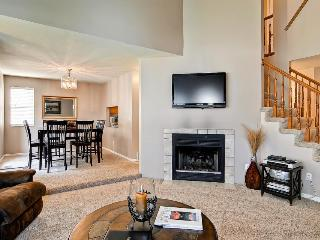 Townhome for nine w/ gas fireplace & patio, Salt Lake City