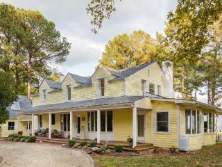 Chesapeake Bay Beach House in Reedville Virginia
