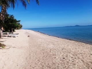 5 Bungalows sleeps 15 -3 each Beach resort Ban Tai, Ko Phangan