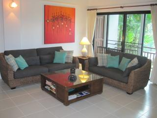 Nai Harn Beach Phuket, beautiful 2 bedroom Condo