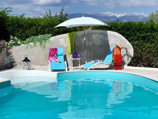 La piscine à partager occasionnellement avec les propriétaires