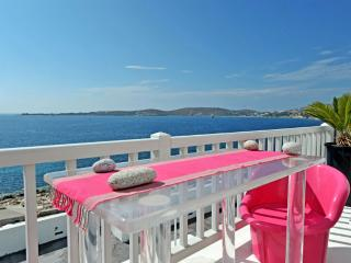 Villa Kastro-Luxury house in the Old Town of Paros