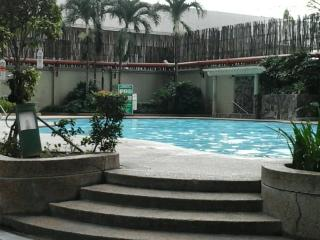 3BR Condo near EDSA Boni/Pioneer with 50Mbps WiFi