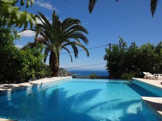 Villa Baïna 3* - 4 guests, garden, swimming pool, Menton