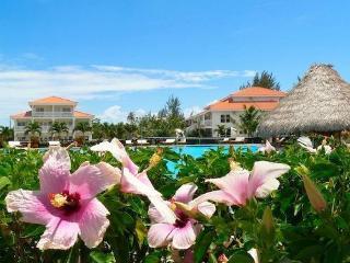 Views of the sea & resort amenities await!, Placencia