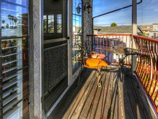 Vibrant home with breathtaking views & convenient location!