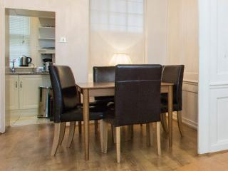 Stunning 3 Bed Historic Townhouse in Soho, London