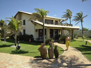 Amazing Beachfront 4 Bedroom Villa – Sleeps 8, Aguas Belas