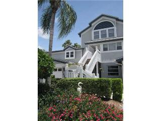Adorable Beach & Bay Condo -  Great Value!, Siesta Key