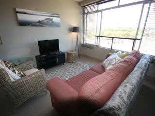 503 Morokani, Greenpoint Studio apartment, Cape Town Central