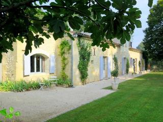 St. Emilion Riverside Retreat, Flaujagues