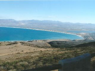 Hilltop, oceanview retreat house, Ensenada