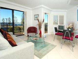1 Bedroom Water View Apartment 5, Biggera Waters